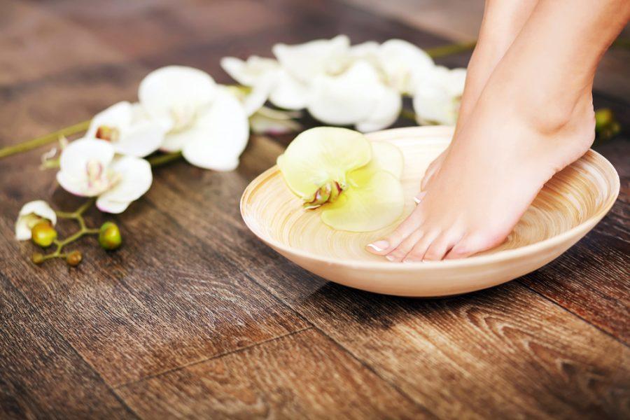 Get Pretty Feet in Time for Spring Break