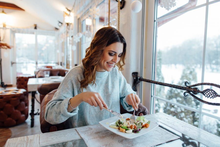 Mealtime Etiquette Corresponds with Good Eating Habits