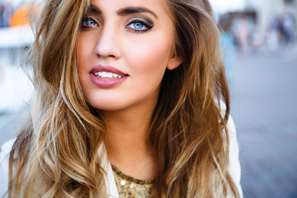 Woman with a beautiful beachy waves hairstyle