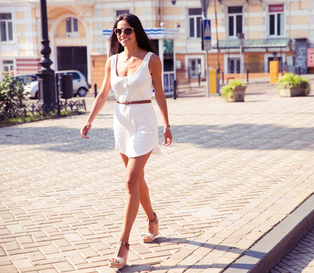 Stylish woman walking.