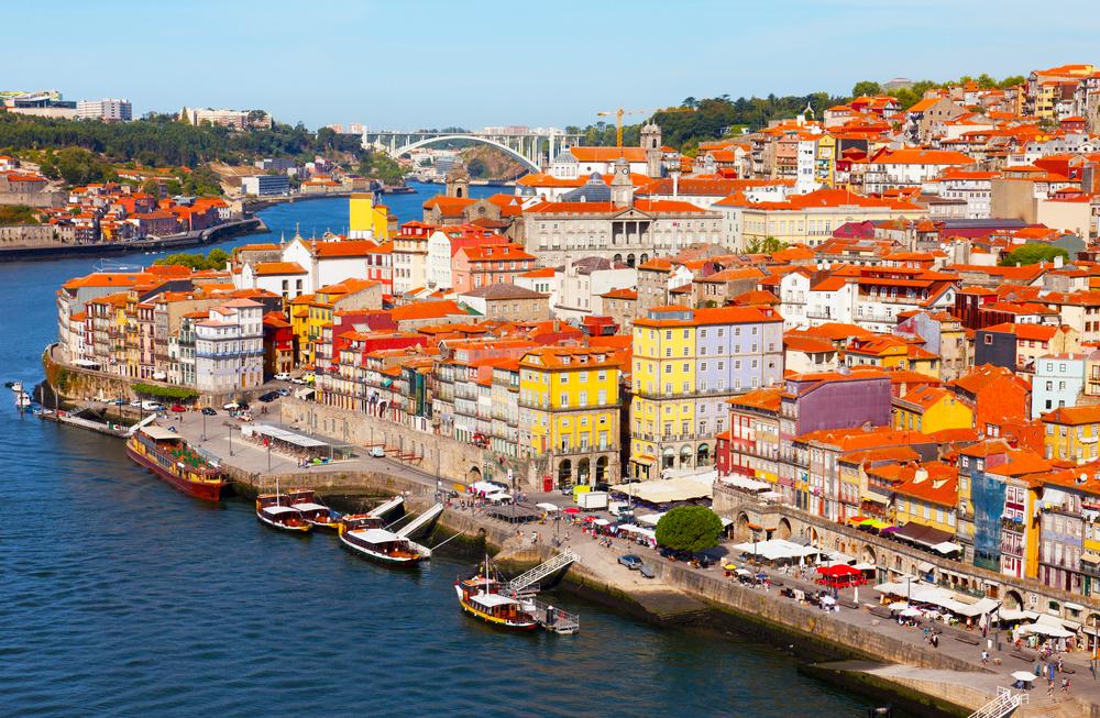 Ribiera district in Porto.